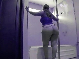 Amateur Ass   Showers      Amateur