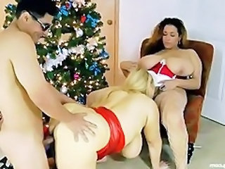 Big Tits Licking   Threesome