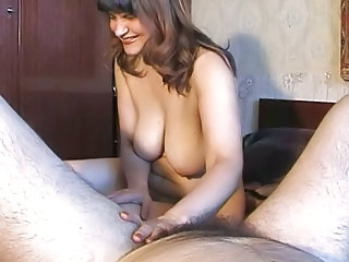 Amateur Big Tits Chubby Homemade Mature Mom Natural Russian