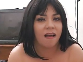 Amateur Brunette Chubby Mature Mom Pov