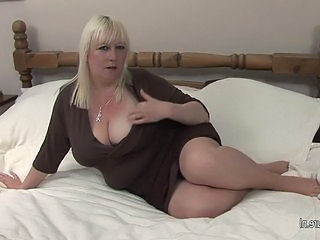 Big Tits Mature Mom Natural Wild