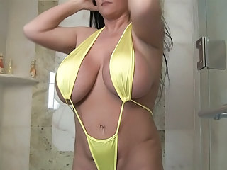Amazing Big Tits Bikini Chubby  Mom Natural  Showers Bikini Boobs Huge