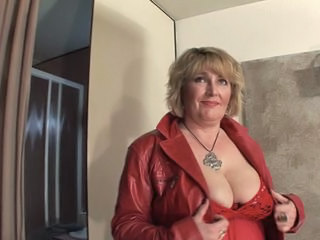 Big Tits Chubby Mature Mom Stripper