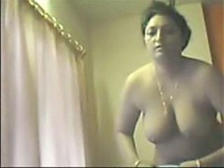 Amateur Chubby Homemade Indian Mom Aunty