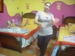 Amateur Arab Chubby Dancing Homemade