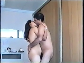 Amateur Chubby Homemade Indian Kissing Wife