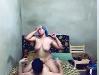 Amateur Chubby Homemade Indian Mom Riding  Aunty